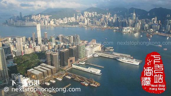 從天際100香港觀景台看維港