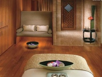 Mandarin Spa Treatment Room