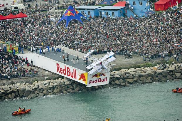 Red Bull Flugtag in Hong Kong 2010