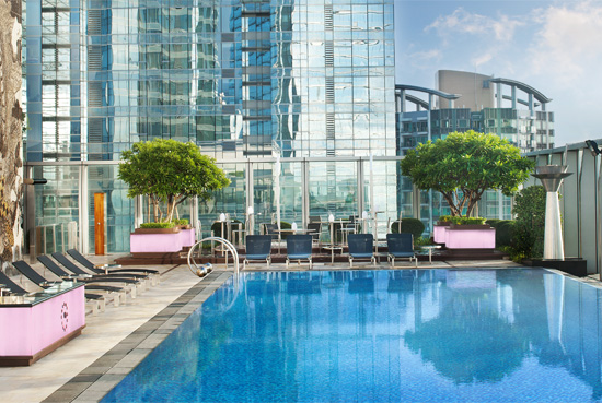 Hong kong top 15 hotels with rooftop swimming pools with a - Hotel new york swimming pool roof ...