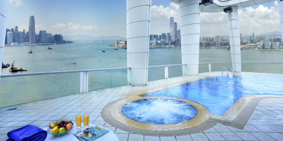 Swimming Pool of Metropark Hotel Hong Kong