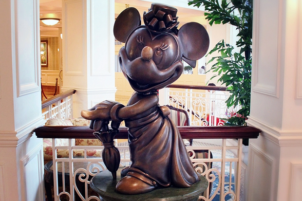 Minnie Statue in Disneyland Hotel
