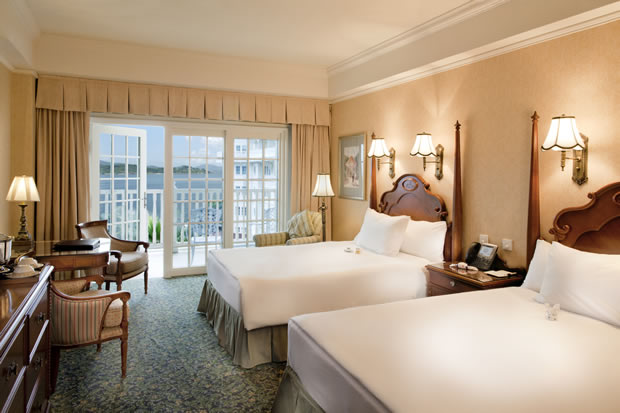 Sea View Room with Balcony in Disneyland Hotel