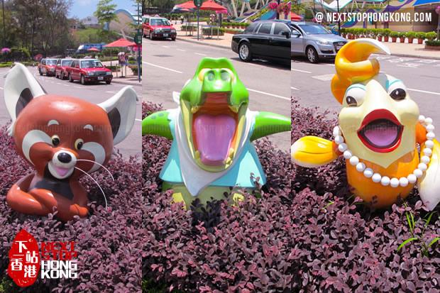 香港海洋公园大门前的吉祥物们